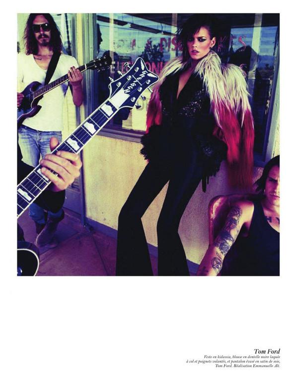 Съёмка: Аризона Мьюз, Лара Стоун, Наташа Поли и другие модели во французском Vogue. Изображение № 32.
