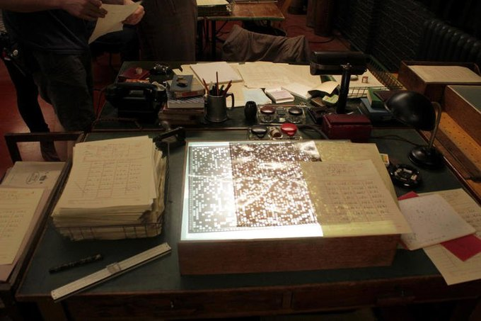 Цитата: дизайнеры о документах в «Игре в имитацию» . Изображение № 15.