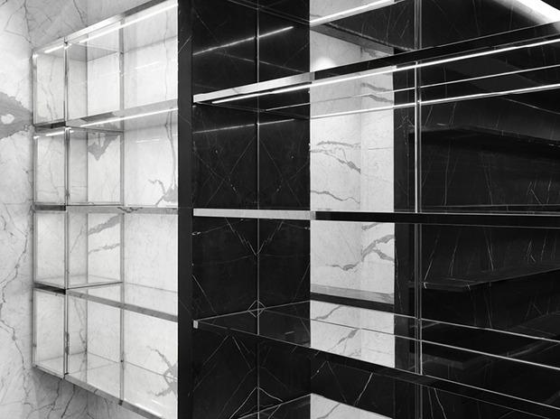 Эди Слиман разработал дизайн бутика Saint Laurent. Изображение № 12.