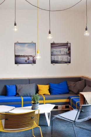 На скорую руку: Фаст-фуды и недорогие кафе 2011 года. Изображение № 51.