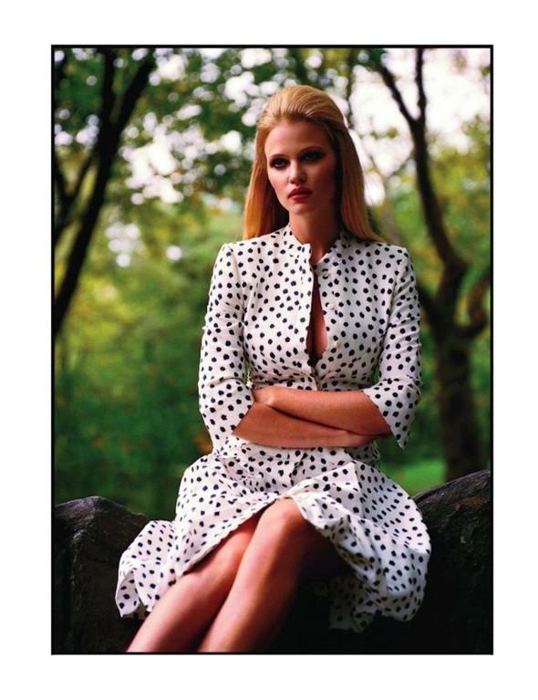 Съёмка: Лара Стоун для Vogue. Изображение № 6.