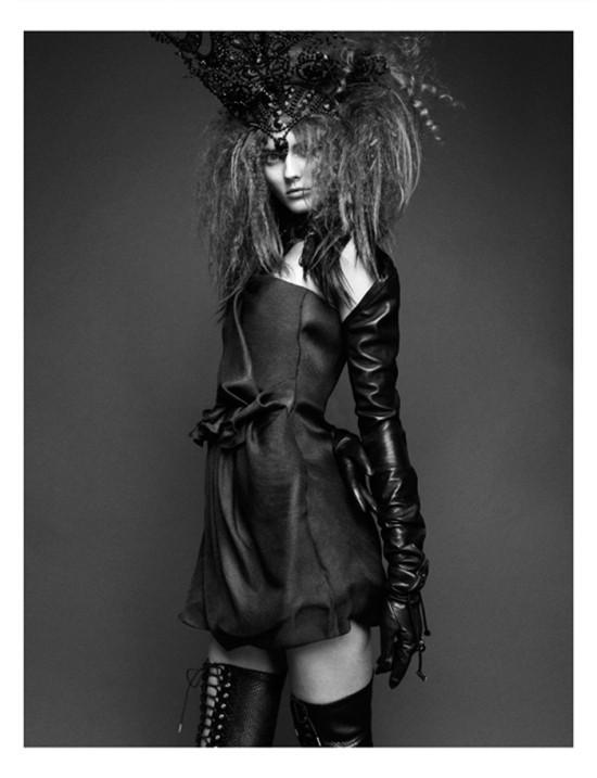 Съемка: Моника Ягачак для Numero #126. Изображение № 4.