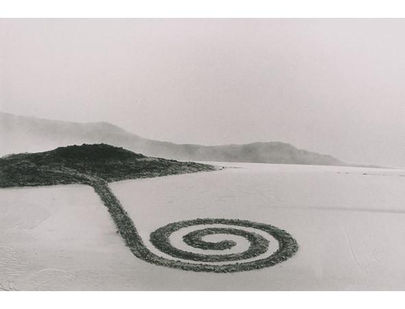 Новая земля: Гид по современному ленд-арту. Изображение № 2.