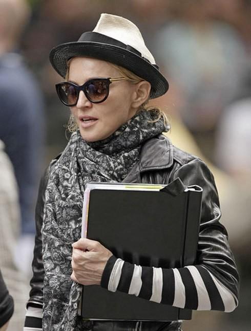 Мадонна снимает фильм по-королевски. Изображение № 3.