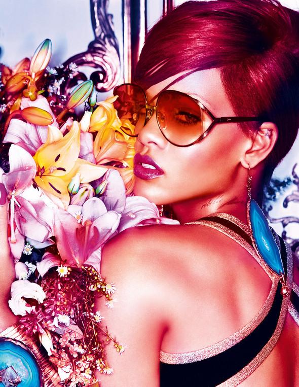 Rihanna в журнале Interview. Изображение № 1.