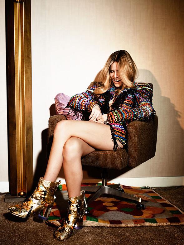 Съёмки: Harper's Bazaar, Interview, Vogue и другие. Изображение № 36.
