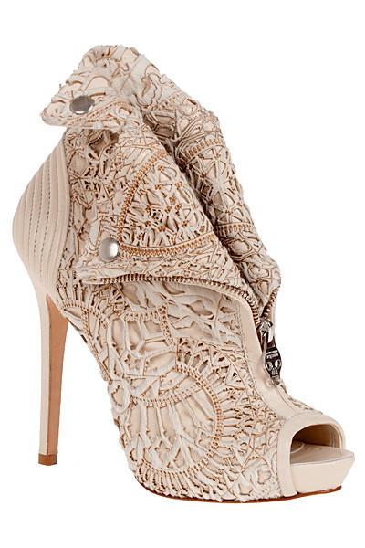 Изображение 9. Лукбуки: Alexander McQueen, Maison Martin Margiela, Versace и другие.. Изображение № 9.
