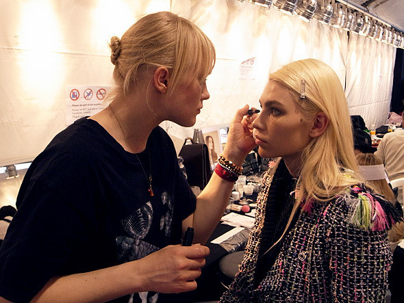 Изображение 24. Paris Fashion Week: два бэкстейджа.. Изображение № 15.