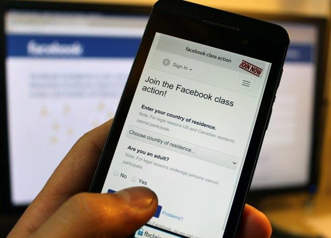 Европейцы подают в суд на Facebook. Изображение № 1.
