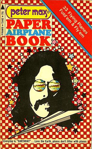Хипповая книга 1971 года обумажных самолетиках. Изображение № 1.