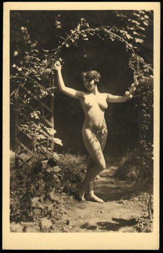 Части тела: Обнаженные женщины на винтажных фотографиях. Изображение № 14.