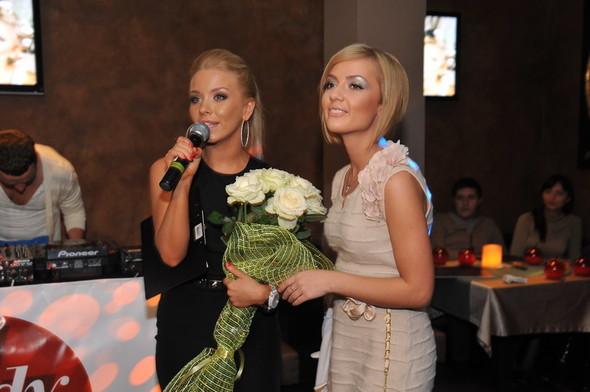 Девушка Блонда стала DJ Lady Blond и презентовала клип. Изображение № 12.
