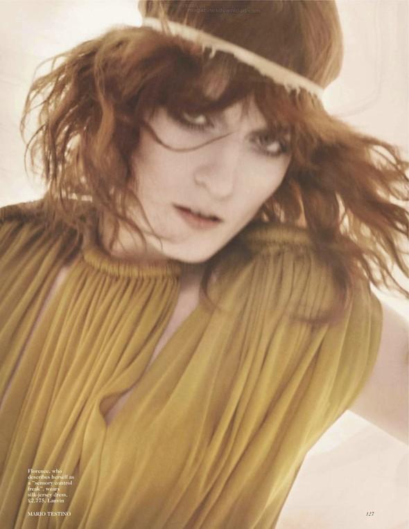 Съёмка: Флоренс Уэлш для британского Vogue. Изображение № 4.