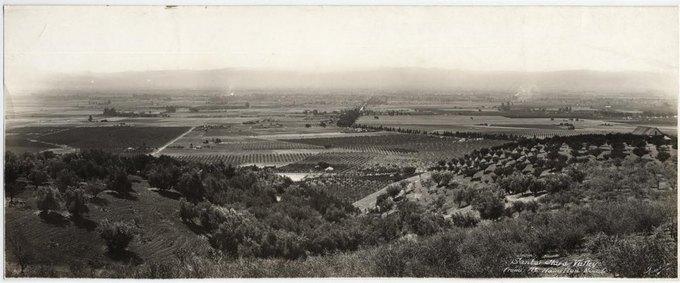 Долина Санта-Клара (ранее название Кремниевой долины). Фотография сделана с вершины горы Гамильтон в 1914 году. Изображение № 1.
