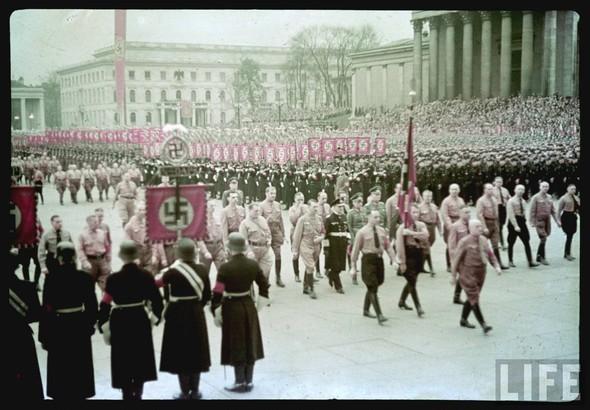 100 цветных фотографий третьего рейха. Изображение №24.