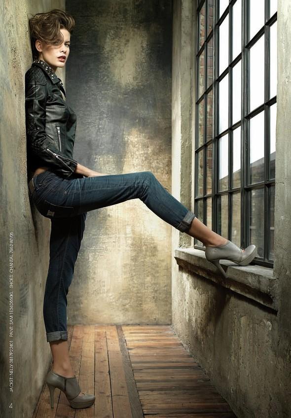Лукбук: Fornarina Jeans FW2011. Изображение № 2.