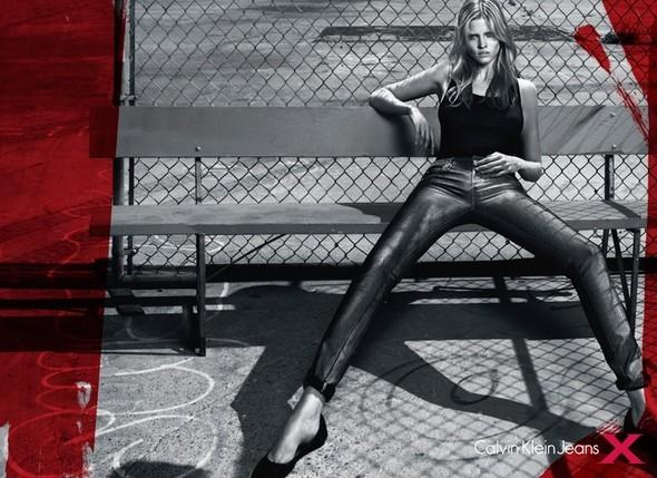 Рекламная кампания Calvin Klein FW 2010. Изображение № 1.