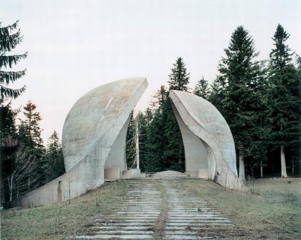 ЯнКемпенаэрс. Югославские споменики. Изображение № 7.