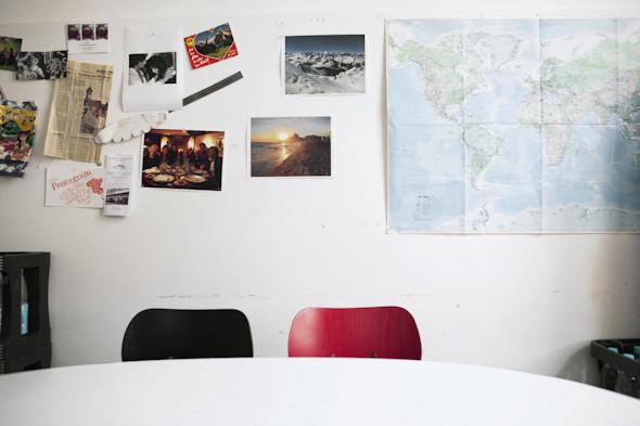 Рабочее место: Юстус Ойлер, арт-директор дизайн-студии Pentagram в Берлине. Изображение № 6.