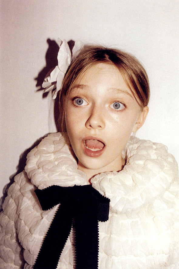 Архивная съёмка: Дакота Фаннинг для кампании Marc Jacobs SS 2007. Изображение № 5.