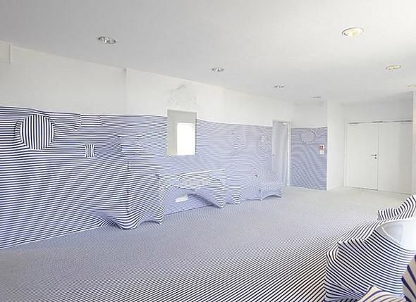 Жан-Поль Готье создает коллекцию мебели. Изображение № 3.