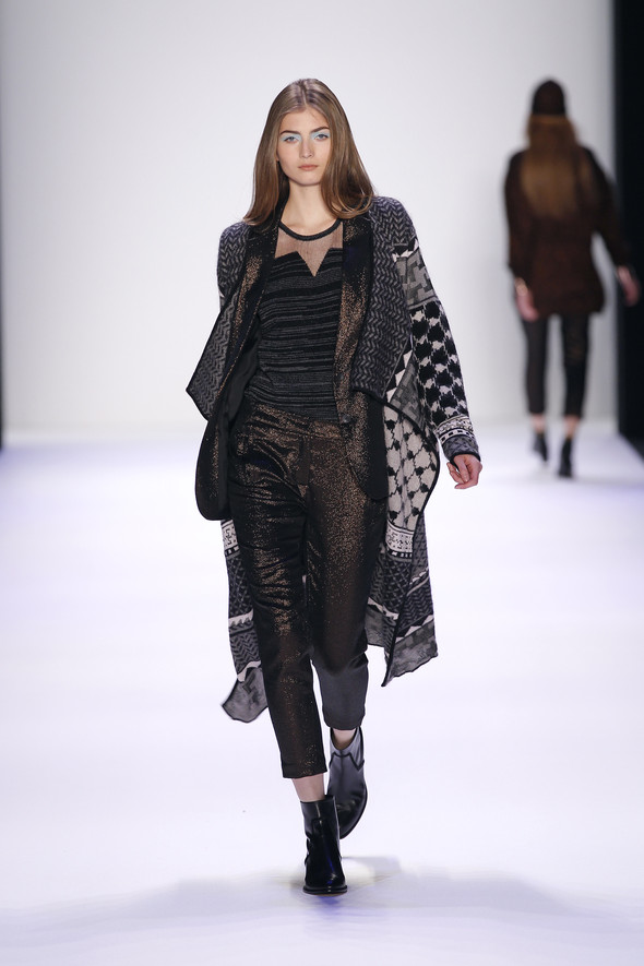 Berlin Fashion Week A/W 2012: Lala Berlin. Изображение № 24.