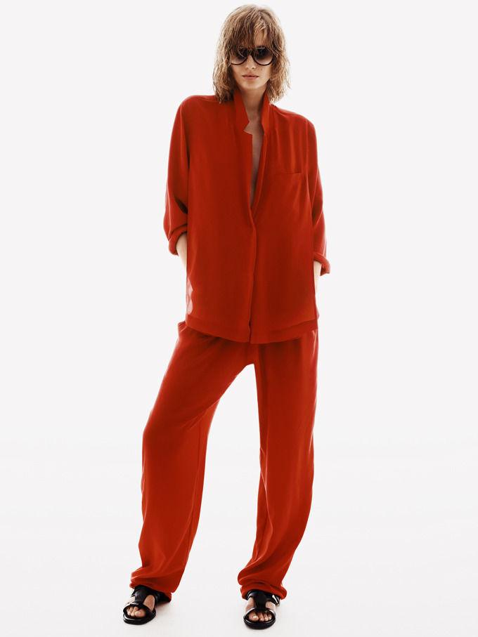 H&M будет менять старую одежду на скидки. Изображение № 1.