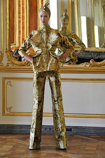 Последняя коллекция Alexander McQueen. Изображение № 7.