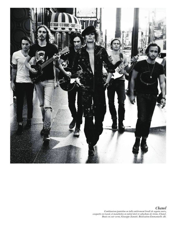 Съёмка: Аризона Мьюз, Лара Стоун, Наташа Поли и другие модели во французском Vogue. Изображение № 2.