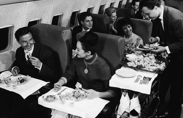 Как интерьеры самолётов стали дешёвыми и тесными. Изображение № 4.