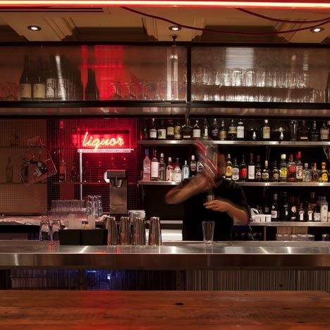 Под стойку: 15 лучших интерьеров баров в 2011 году. Изображение № 16.