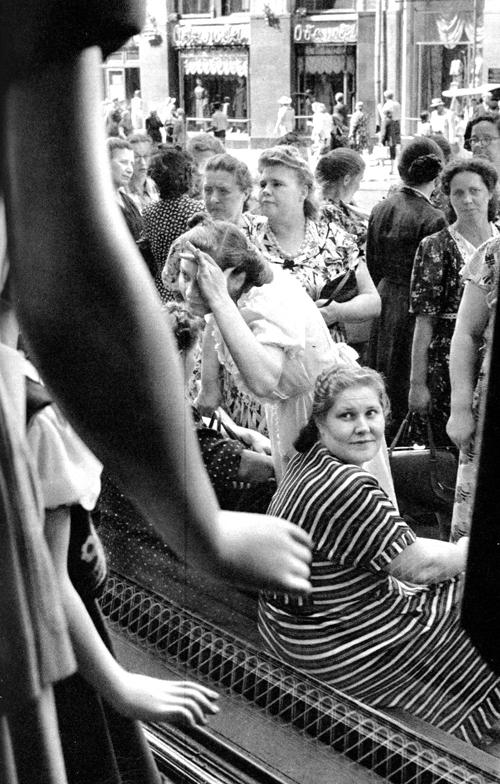 Советская Москва глазами Анри Картье-Брессона. Изображение № 32.