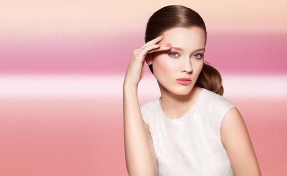 Превью кампании: Моника Ягачак и Мерете Хопланн для Chanel Beauty SS 2012. Изображение № 1.