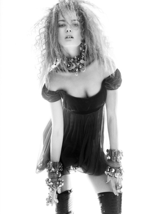 Съемка: Моника Ягачак для Numero #126. Изображение № 10.