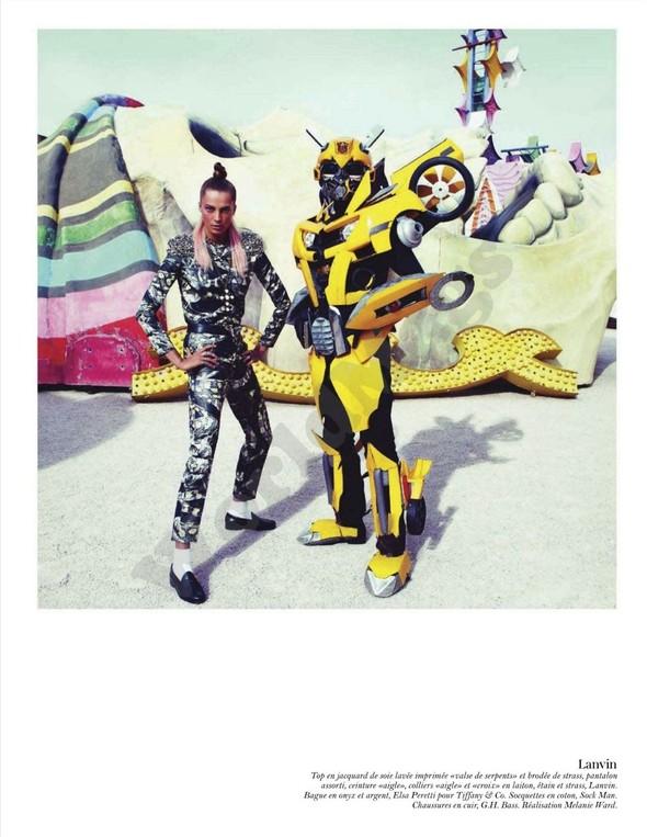 Съёмка: Дарья Вербова для французского Vogue. Изображение № 38.