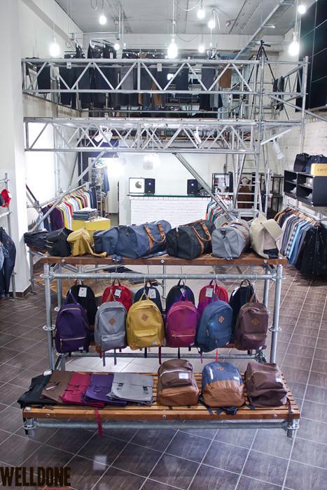 """Новый магазин одежды """"Welldone"""" в FLACON'е. Изображение № 17."""