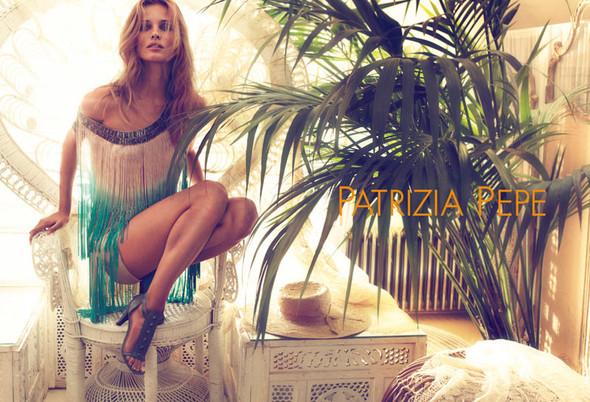 Кампания: Эдита Вилкевичюте для Patrizia Pepe SS 2012. Изображение № 7.