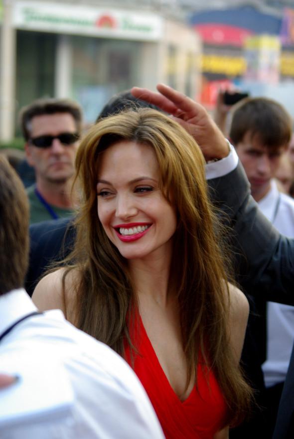 Анджелина нагревает Москву. Изображение № 8.
