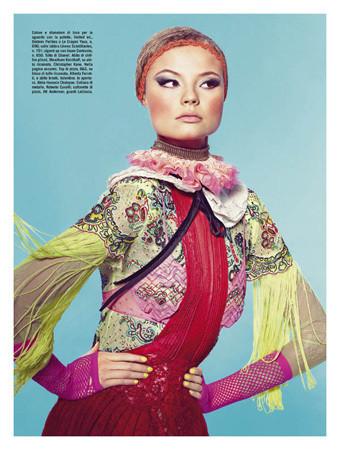 Съемка с Магдаленой Фрацковяк из итальянского Vogue, апрель 2011. Изображение № 47.