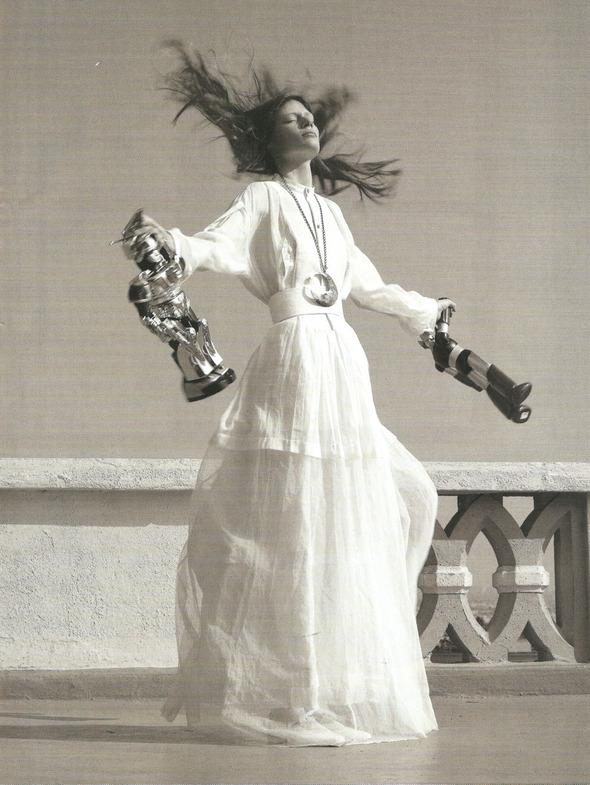 Архивная съёмка: Монахини и роботы в объективе Стивена Мейзела, 2006. Изображение № 2.