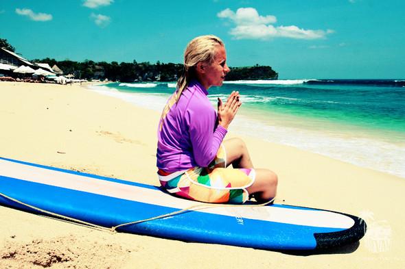 Surf Van Camp – деликатное полоскание с доской на Бали. Изображение № 1.