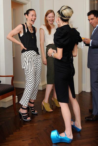 "Изображение 1. VISIONAIRE: 20 лет публицистики ""haute couture"".. Изображение № 8."