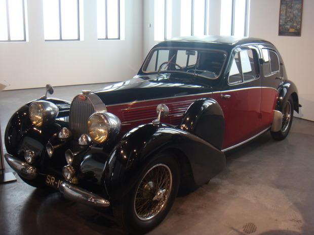 Испанский музей ретро-автомобилей. Изображение № 12.