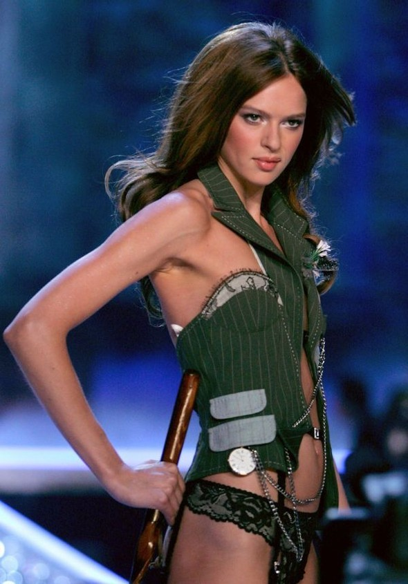 Victoria's Secret Lingerie Fashion Show 2008. Изображение № 11.