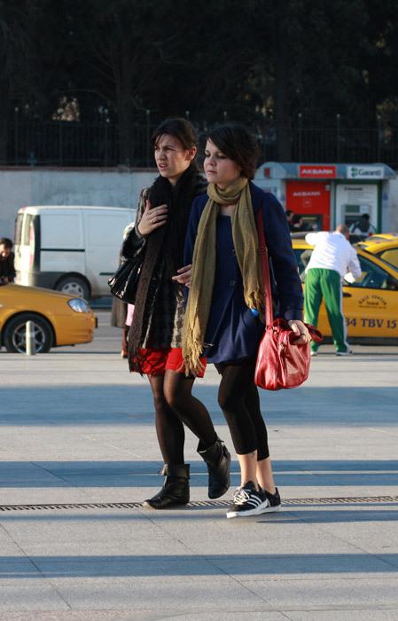Можно либыть модным, живя вСтамбуле?. Изображение № 16.