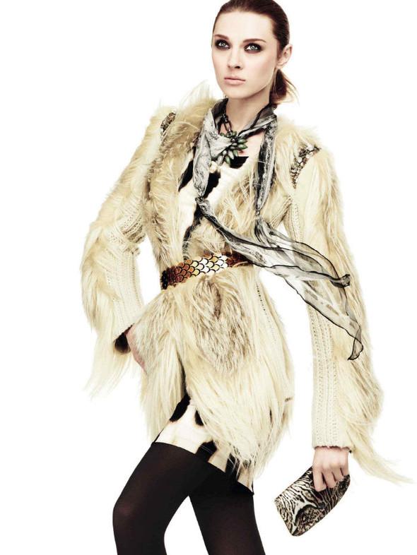 Лукбук: Эмелин Валад и Ольга Шерер для Roberto Cavalli FW 2011. Изображение № 5.