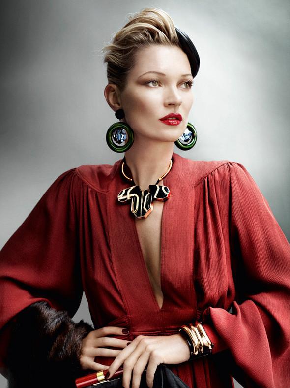 Съёмка: Кейт Мосс для британского Vogue. Изображение № 6.