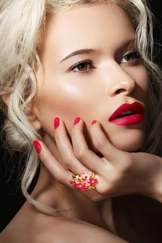 Red lipstick. Изображение № 1.
