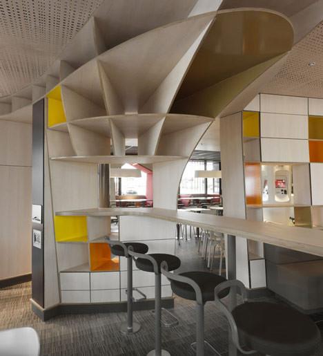 На скорую руку: Фаст-фуды и недорогие кафе 2011 года. Изображение № 24.
