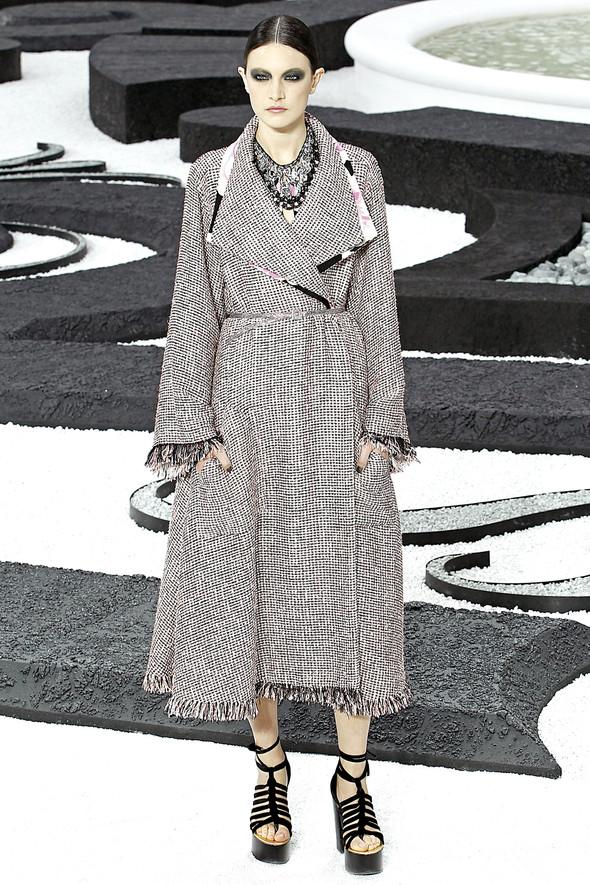 Карл Лагерфельд показал одну из самых красивых коллекций, когда-либо созданных для Chanel. Изображение № 31.